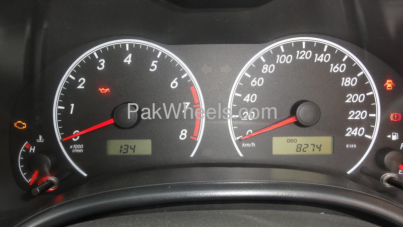 Toyota Corolla GLi 1.3 VVTi 2011 Image-8