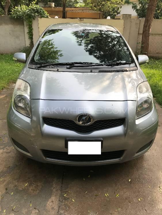 Toyota Vitz 2010 Image-1