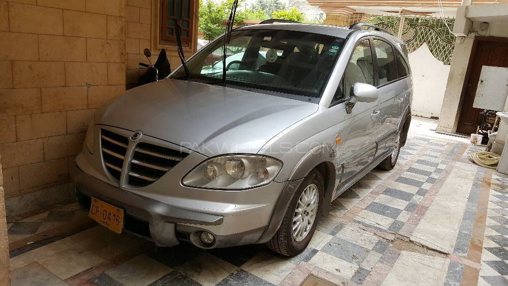 SsangYong Stavic 4wd 2006 Image-1