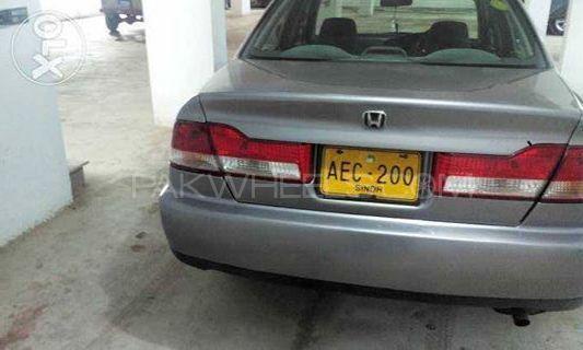 Honda Accord 2002 Image-1