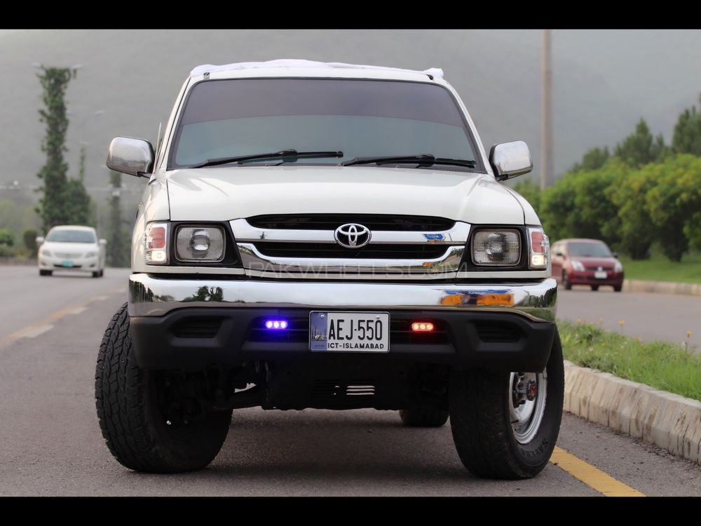 Toyota Hilux Tiger 2004 Image-1