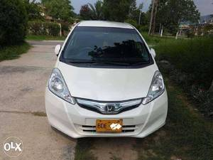 Slide_honda-fit-hybrid-navi-premium-selection-2011-17877536
