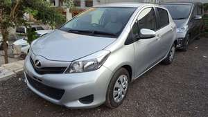 Slide_toyota-yaris-2014-17885119