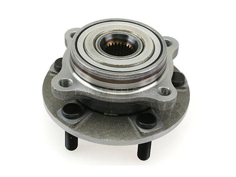 Front Wheel Hub Toyota Land Cruiser 2007-2012 in Lahore