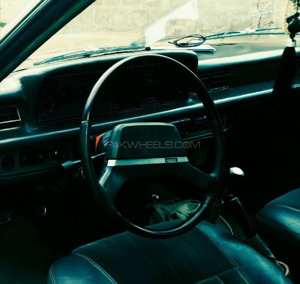 Mazda 929 1981 Image-1