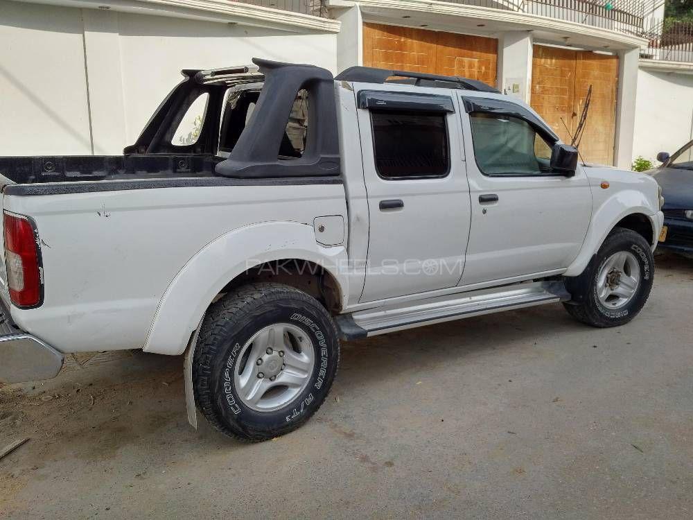 Nissan Navara 2008 Image-1