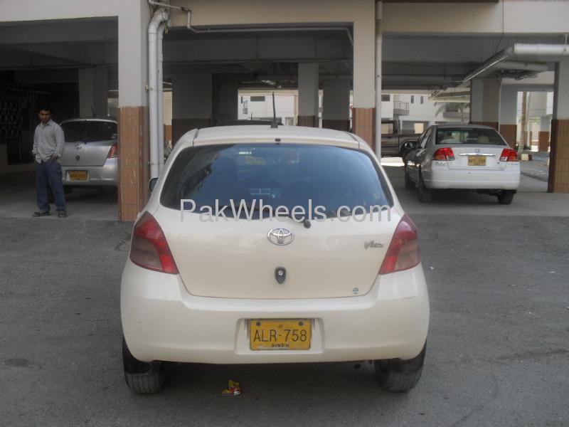 Toyota Vitz 2005 Image-3