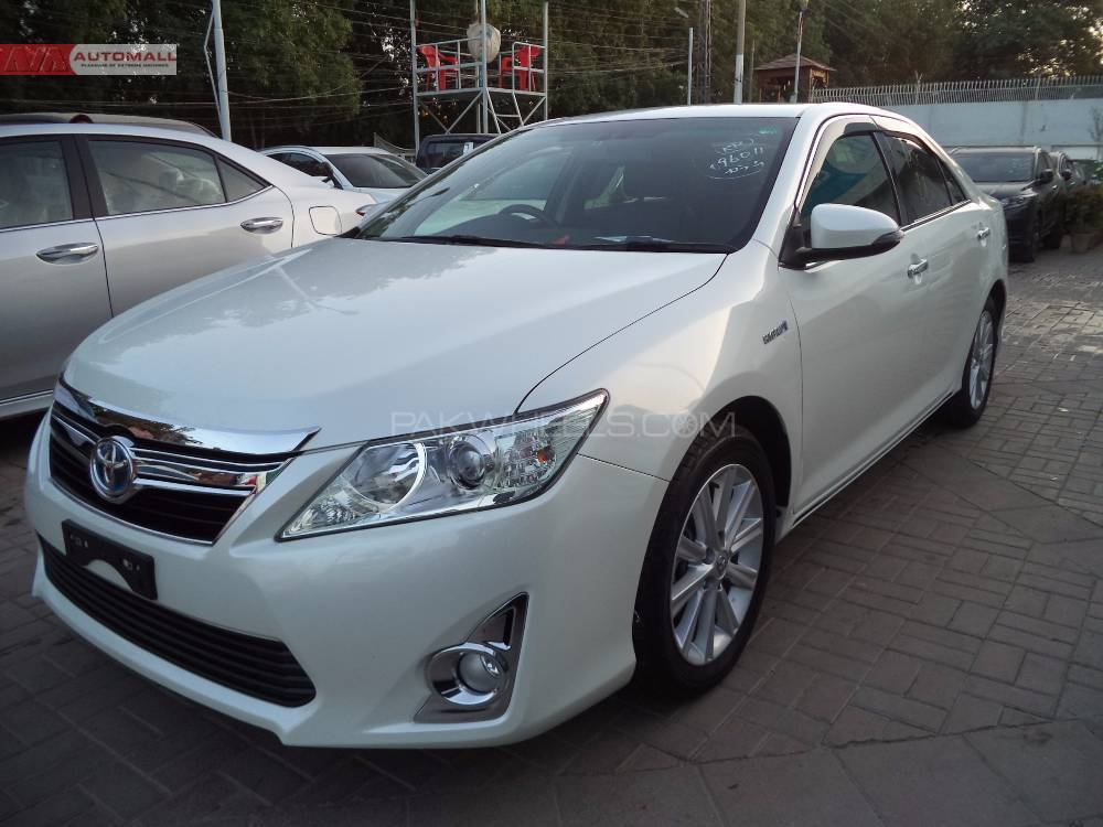 Used Toyota Camry Up-Spec Automatic 2.4 2014