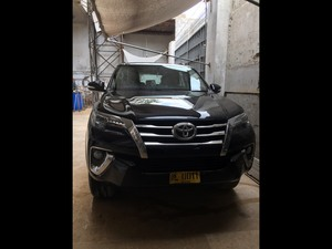 Slide_toyota-fortuner-2-7-automatic-2017-18506775
