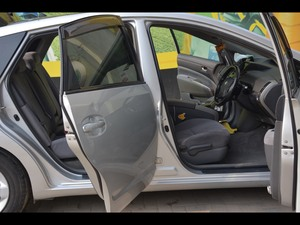 Slide_toyota-prius-g-touring-selection-1-5-2008-18508053