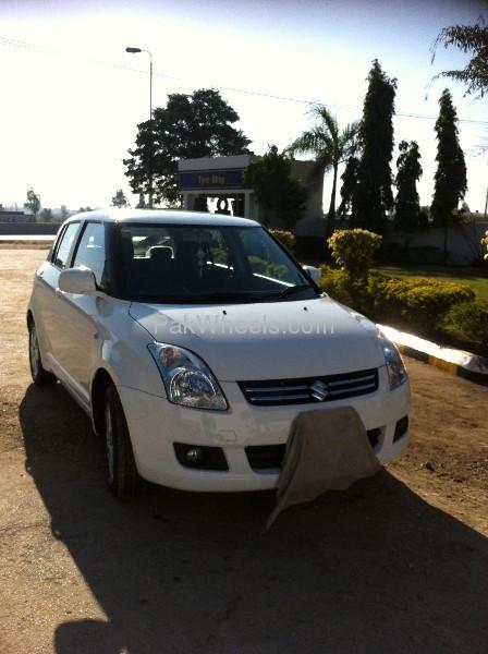 Suzuki Swift DLX 1.3 2012 Image-5