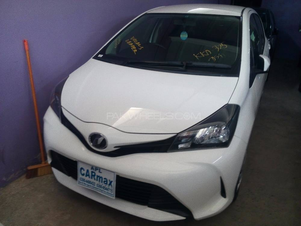 Toyota Vitz U 1.0 2014 Image-1