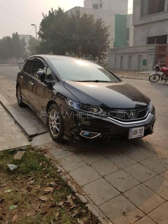 Honda Jade Hybrid 2015 Image-1