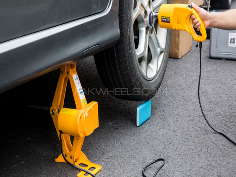 Electric Car Jack With Impact Wrench  in Lahore