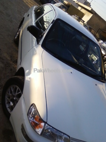 Toyota Corolla XE Limited 2001 Image-2