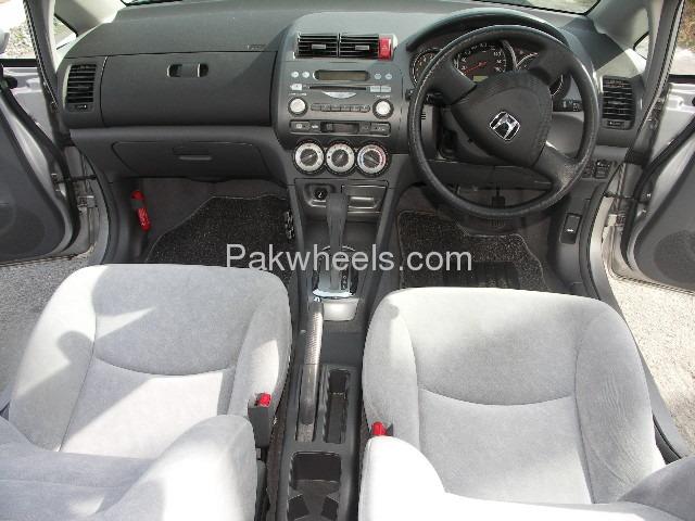 Honda Fit X 2007 Image-8