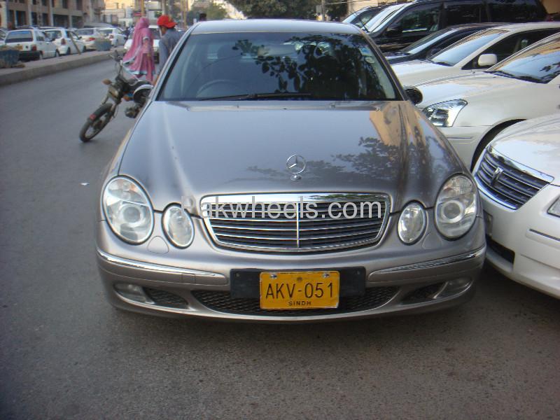 Mecedez Benz E-200 Kompressor Leather Seats Power Seats Low Milage  Full Options