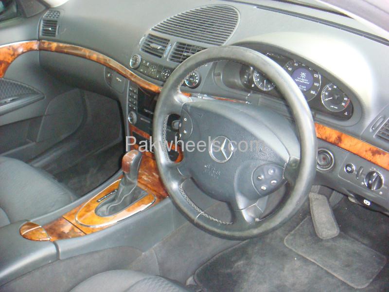 Mercedes Benz E Class E200 2004 Image-2