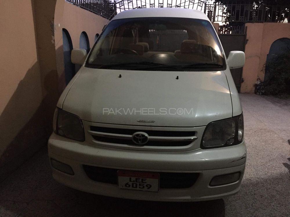 Toyota Noah 2000 Image-1