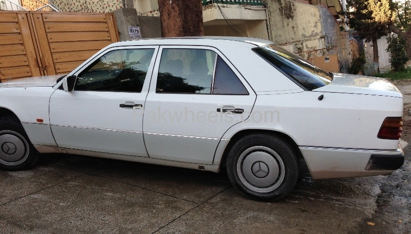 Mercedes benz e class e230 1992 for sale in islamabad for Mercedes benz e230