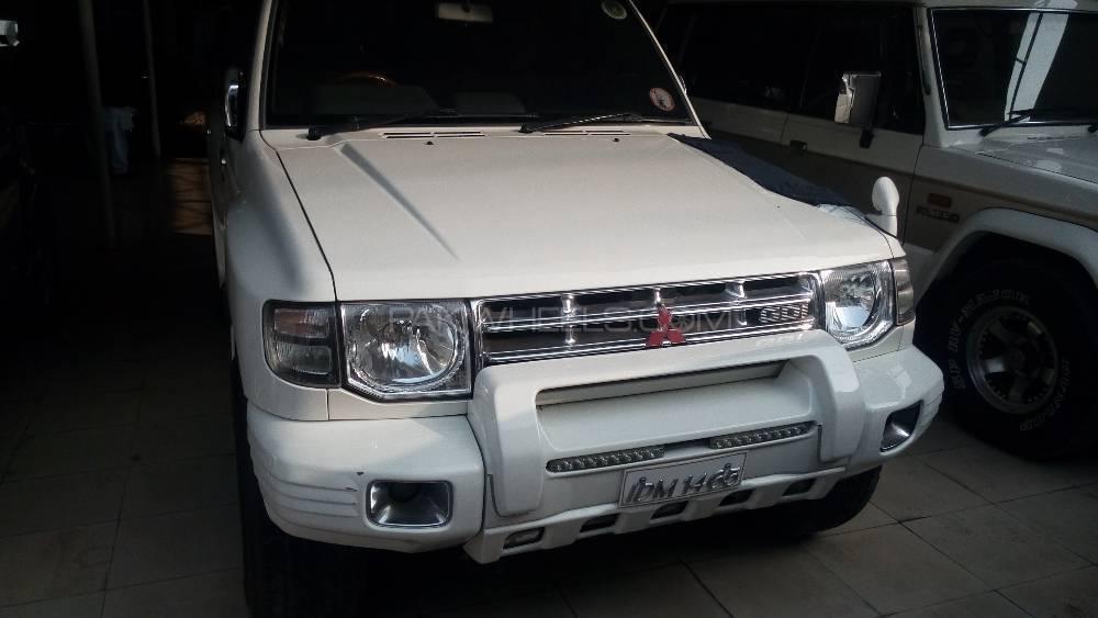 Mitsubishi Pajero Evolution 1996 Image-1