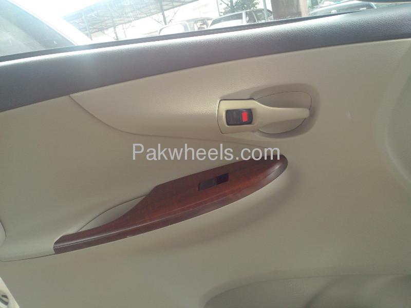 Toyota Corolla Altis SR 1.6 2012 Image-5