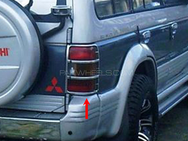 Mitsubishi Pajero TYC Back Lamp Chrome Rim 1992-1997 - 1 Pc RH in Lahore