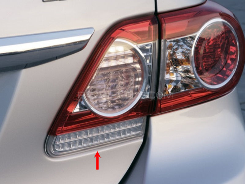 Toyota Corolla TYC Trunk Lamp 2011-2012 - 1 Pc RH Image-1