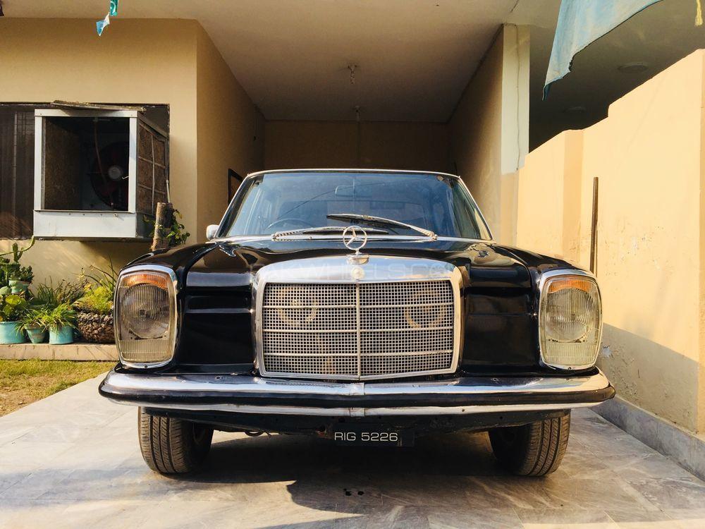 Mercedes Benz 200 D 1968 Image-1