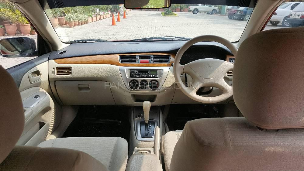 Mitsubishi Lancer GLX Automatic 1.3 2004 Image-1