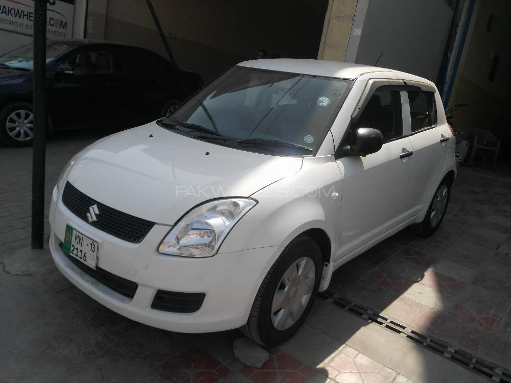 Suzuki Swift DLX 1.3 2013 Image-1