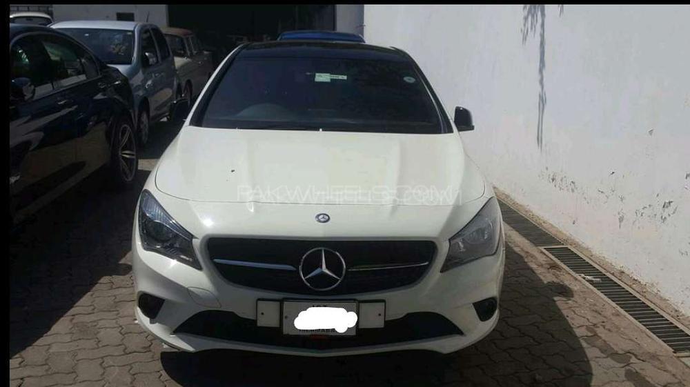 Mercedes Benz CLA Class CLA180 2014 Image-1