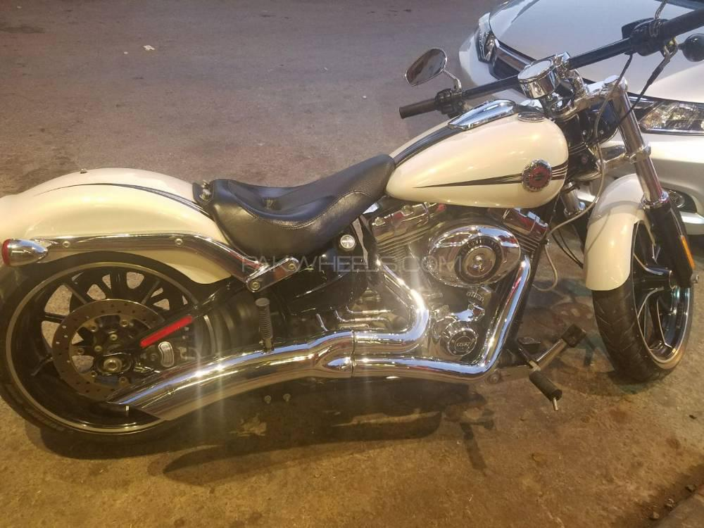 Harley Davidson Softail Custom 2014 Image-1