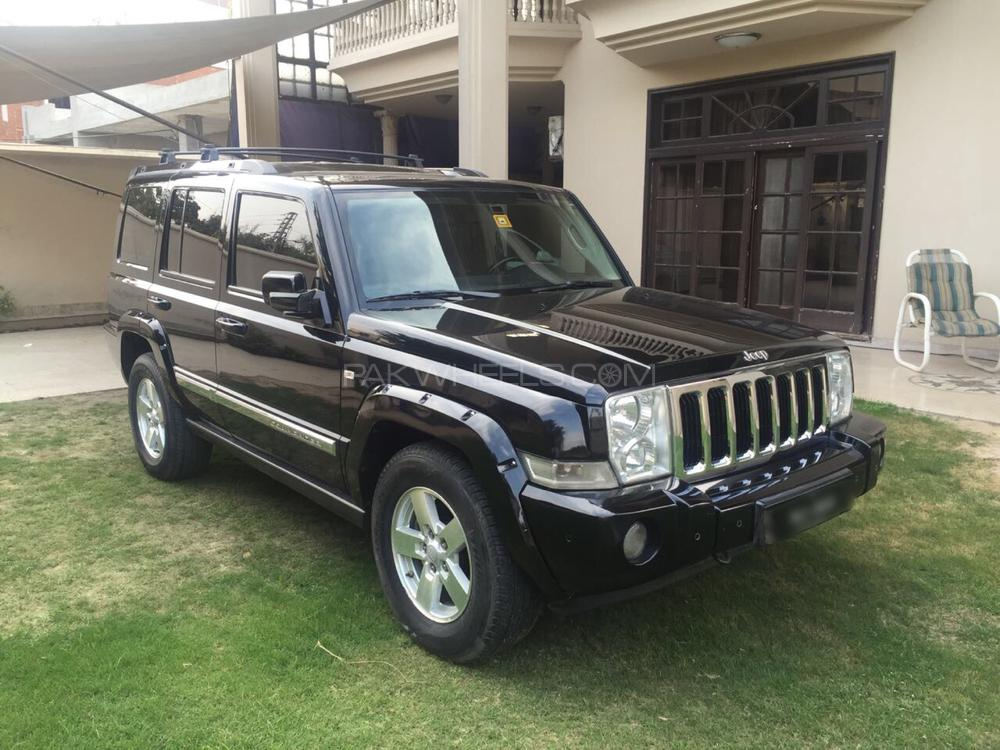 Jeep Commander 5.7 V8 Hemi 2006 Image-1