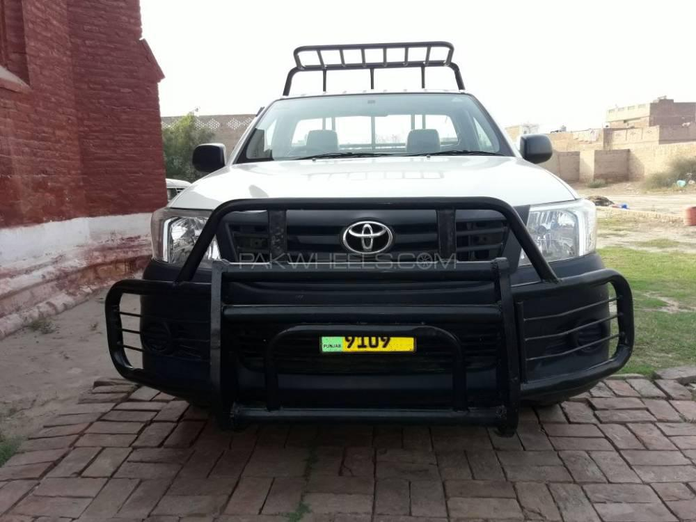 Toyota Hilux 4x2 Single Cab Standard 2014 Image-1