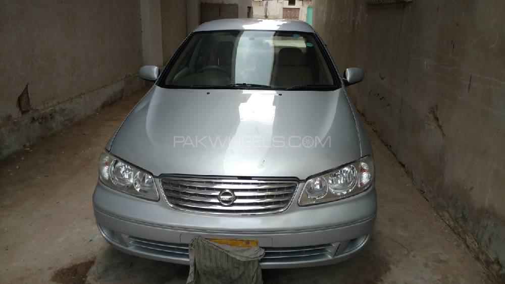Nissan Sunny EX Saloon 1.6 (CNG) 2010 Image-1