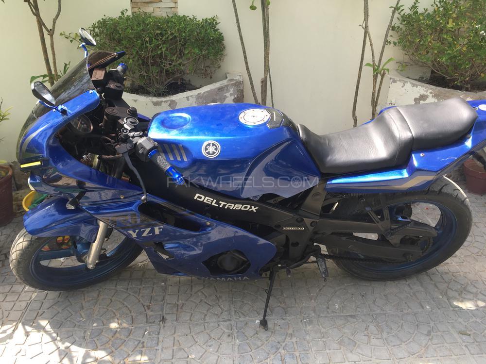 Yamaha YZF-R1 1994 Image-1