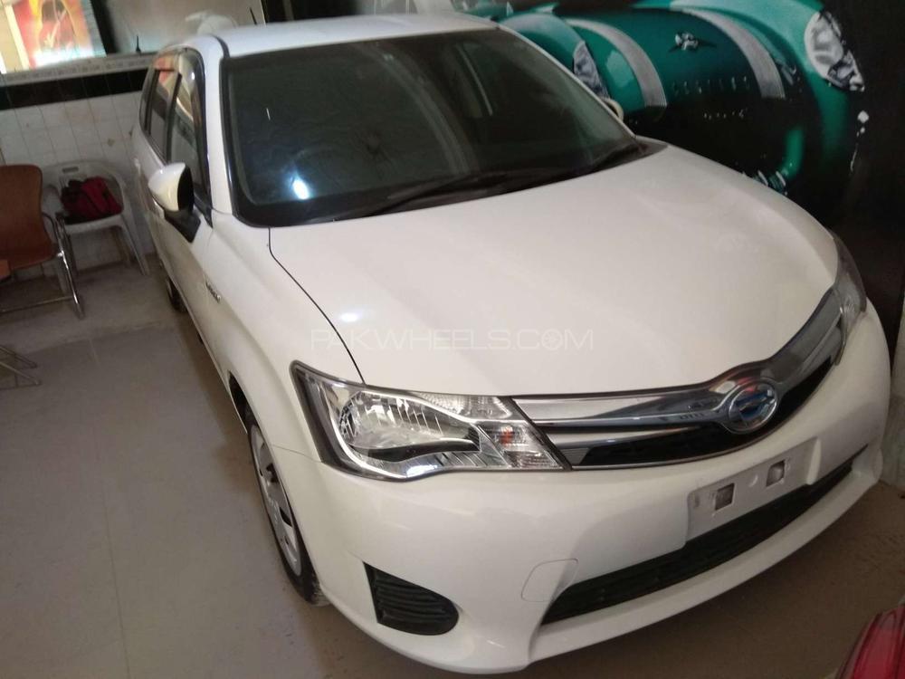 Toyota Corolla Axio G 2014 Image-1