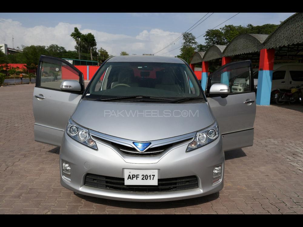Toyota Estima Hybrid 2012 Image-1