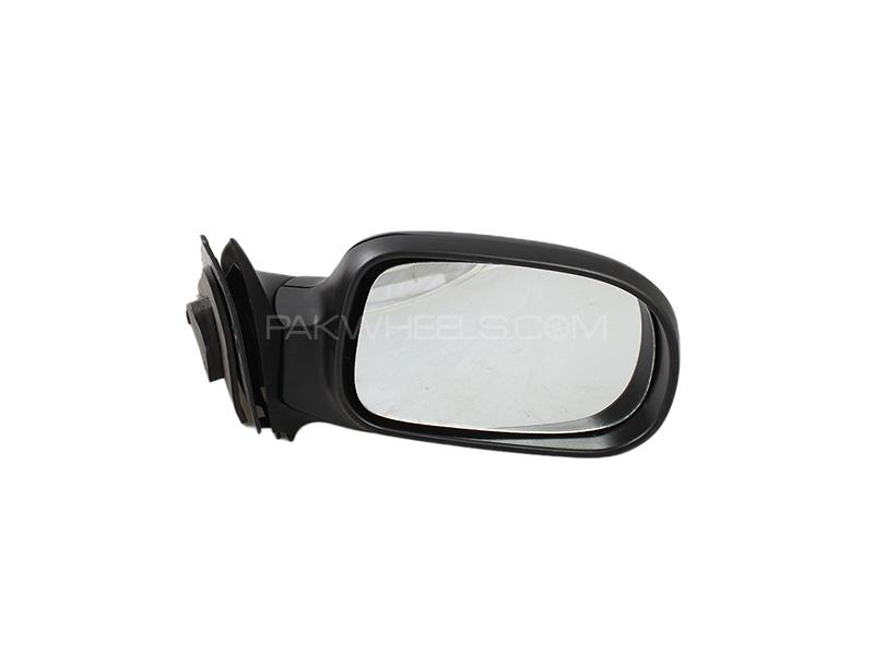 Toyota Vitz 2006-2012 Side Mirror Without light RH in Lahore