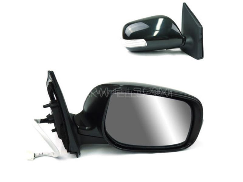 Toyota Vitz 2012 Side Mirror With Light RH Image-1