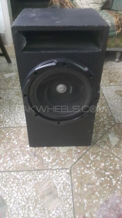 woofer and Amplifier Image-1