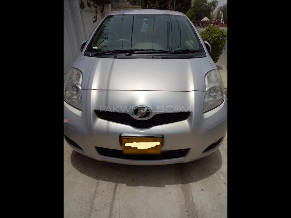 Toyota Vitz F Limited II 1.3 2010 Image-1