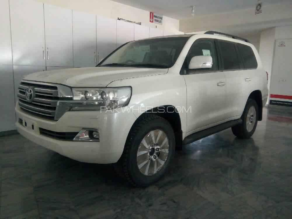 Toyota Land Cruiser VX Limited 4.7 2018 Image-1