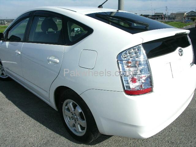 Toyota Prius EX 1.5 2010 Image-3