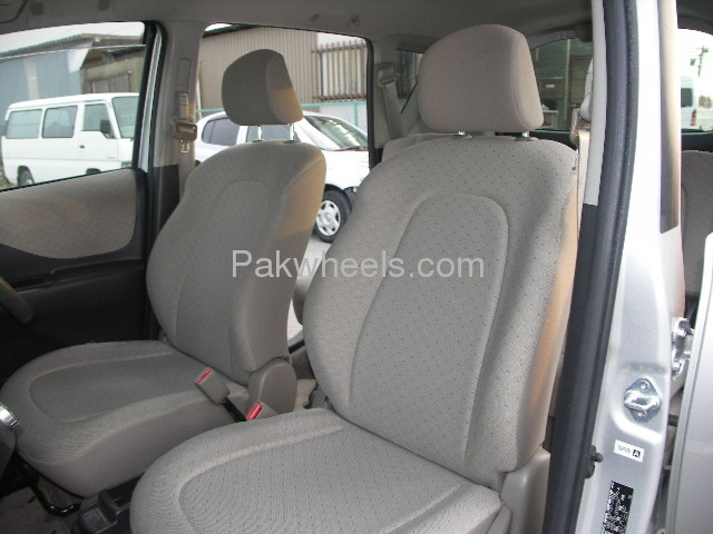 Toyota Ractis 1.3X 2007 Image-8