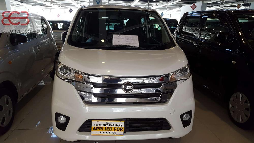 Legit & Verifiable Auction Reports Available  > Japan Pictorial Profile Available  > Original & Complete Documents  > 2017 Import  > Neat & Clean Ride  > Original Condition  > All Options Working  > Non Accidental Non Repaired  > Excellent Mileage  > Trusted Importer  > Best Cars in Town  > Price is Slightly Negotiable  > No Text Only Calls 2018 import  Mention PakWheels.com when calling Seller to get a good deal.