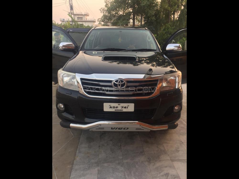 Toyota Hilux D-4D Automatic 2011 Image-1