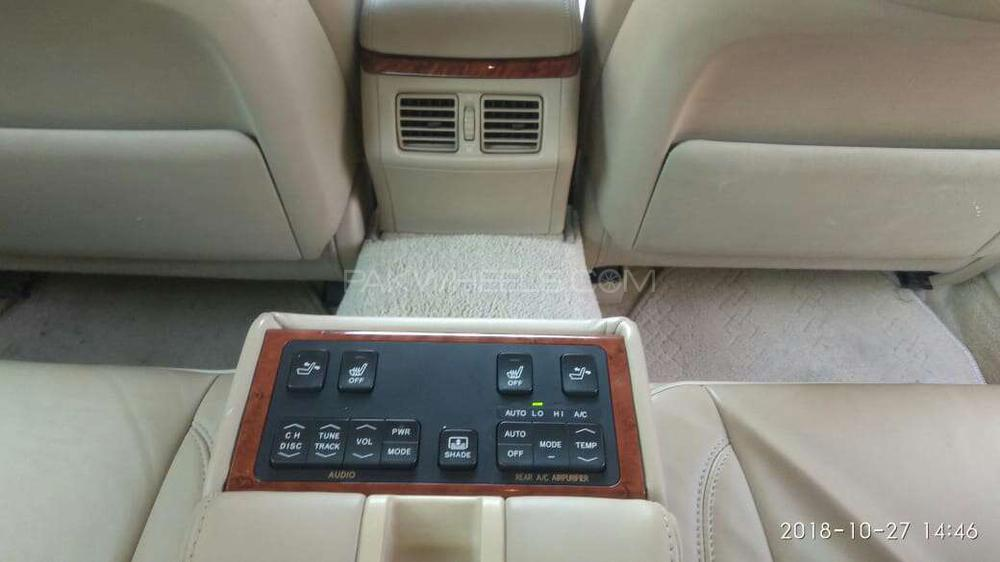 TOYOTA CROWN 2004 ROYAL SALOON PREMIUM  2006 REG  FULL HOUSE  REAR   COOL BOOX  MARKLEVENSIN SOUND SYSTEM ORGNAL TV ALL ORGNAL NO TOUCH UPS  JUST LIKE BRAND NEW