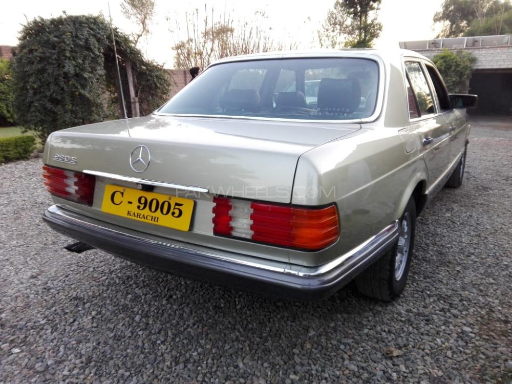 Mercedes Benz S Class S280 1984 Image-1